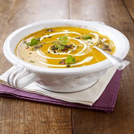 Exotische Kürbissuppe mit Schmand-Dip Rezept