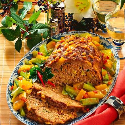 Exotischer Hackbraten mit Ananas-Porree-Gemüse Rezept
