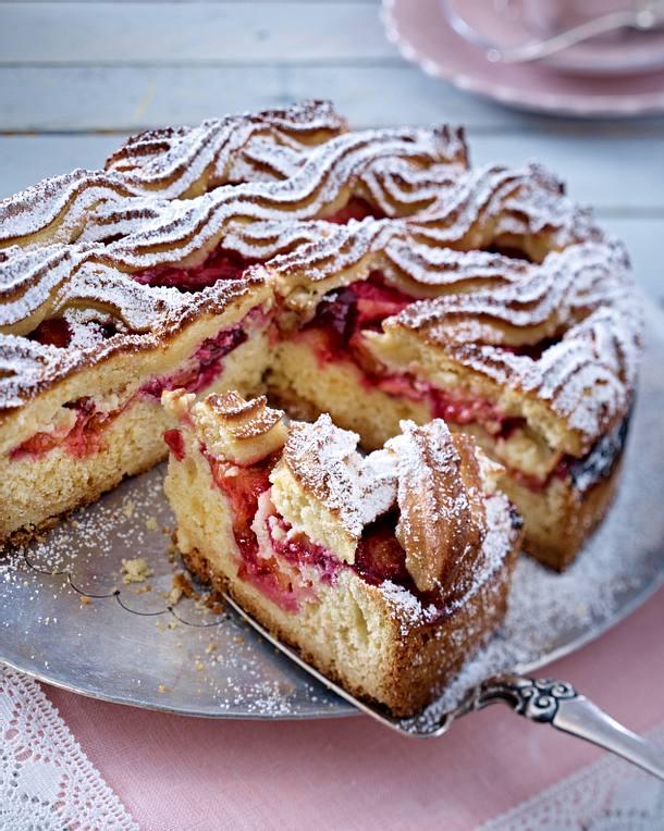 Pflaumenkuchen mit Makronengitter Rezept
