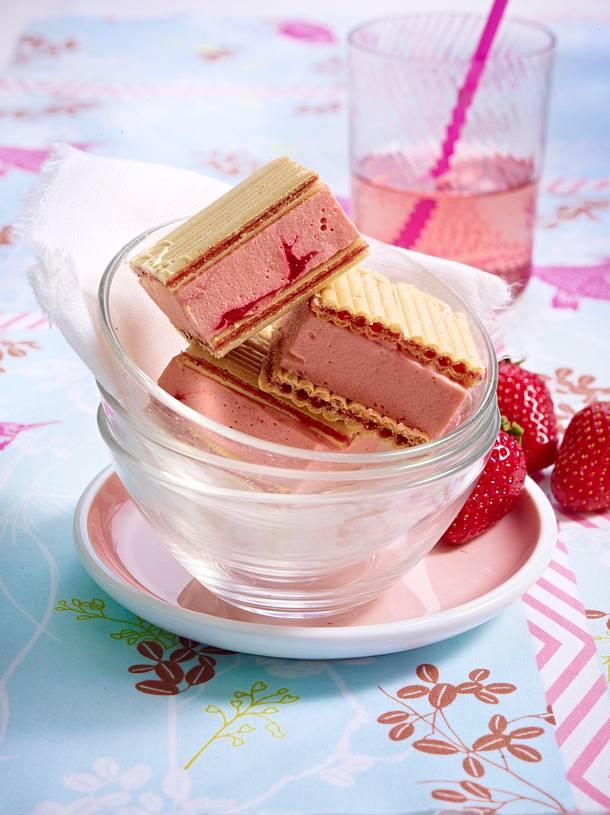 Sandwichs fruits rouges/vanille Rezept