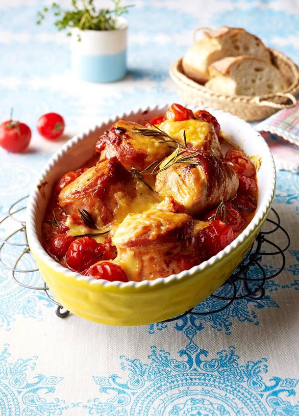 Hähnchen-Speck-Krüstchen in Tomatenrahm mit Rosmarin Rezept