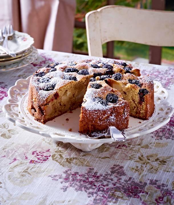 Pear and Blackberry cake Rezept