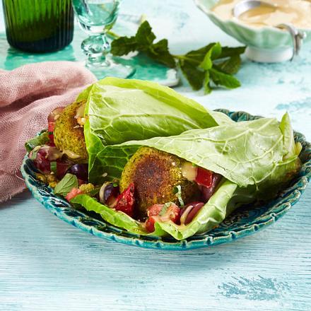Falafel-Kräuter-Wraps mit Cashew-Dip Rezept