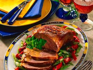 Falsches Rinderfilet mit Portweinsoße und buntem Gemüse Rezept