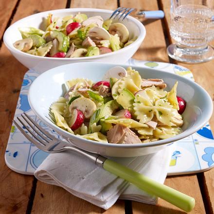 Farfalle-Thunfisch-Salat mit Avocado Rezept