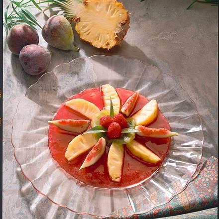 Feigen und Ananas auf Himbeersoße Rezept