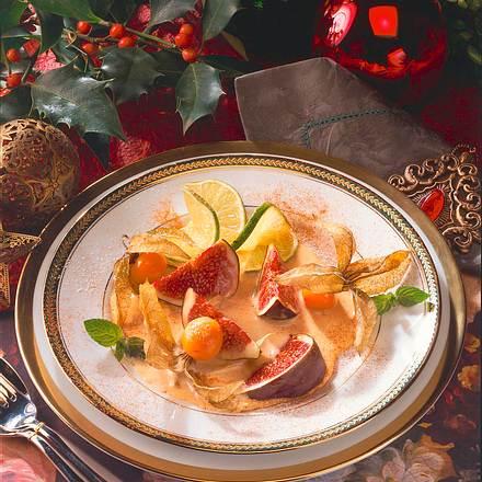 Feigen und Kapstachelbeeren mit Portwein-Schaumsoße Rezept