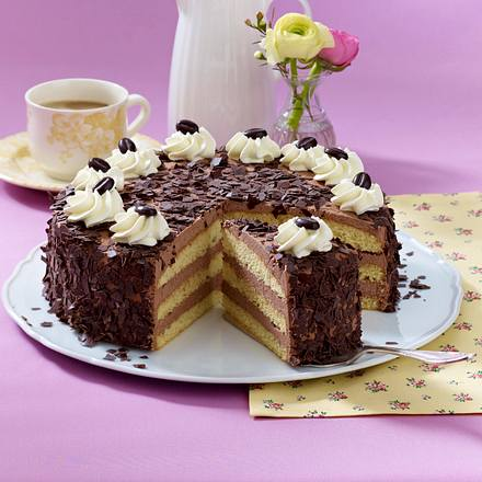 feine mokka buttercreme torte rezept lecker. Black Bedroom Furniture Sets. Home Design Ideas