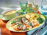 Feine Schweinefiletplatte mit Möhren-Kohlrabi-Gemüse und Zitronenhollandaise Rezept