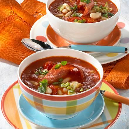 Feine Tomatensuppe mit Bohnen und Cabanossi Rezept