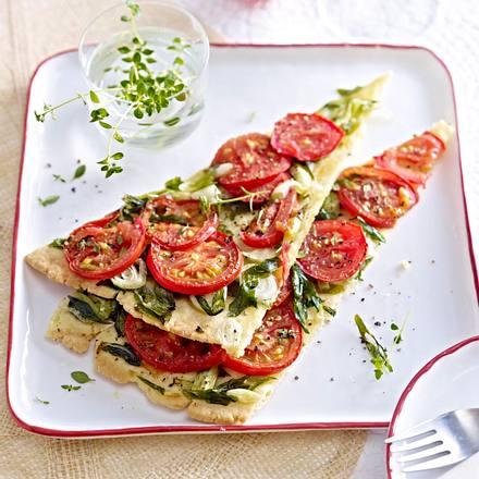 Feine Zwiebeltarte mit Tomaten Rezept