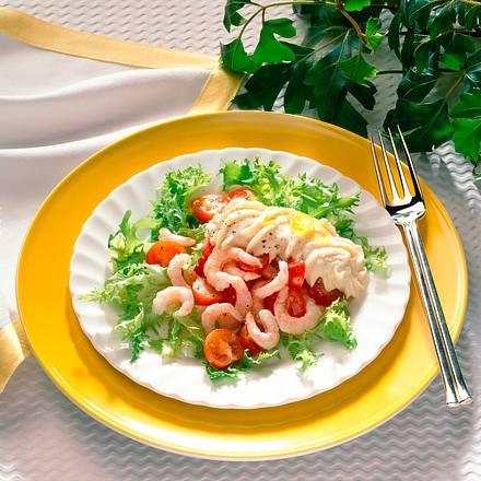 Feiner Salat mit Forellenschaum Rezept