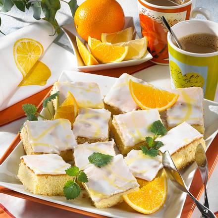 Feiner Zitronen-Blechkuchen Rezept