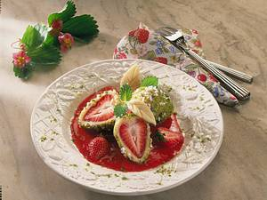 Feines Erdbeer-Dessert-Konfekt Rezept