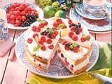 Festliche Beeren-Dickmilch-Torte Rezept