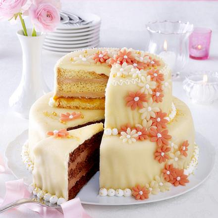 Festliche Jubiläums-/Hochzeits-/Geburtstagstorte Rezept