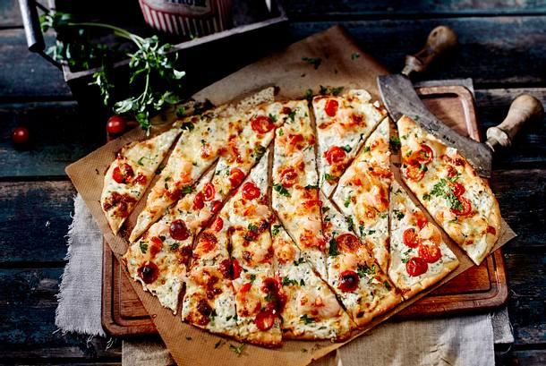 Feta-Pizza mit Garnelen Rezept