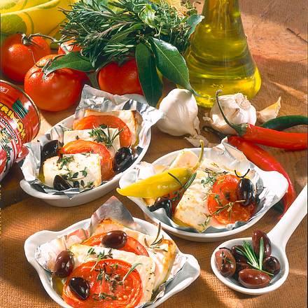 Fetakäse mit Tomaten & Oliven Rezept