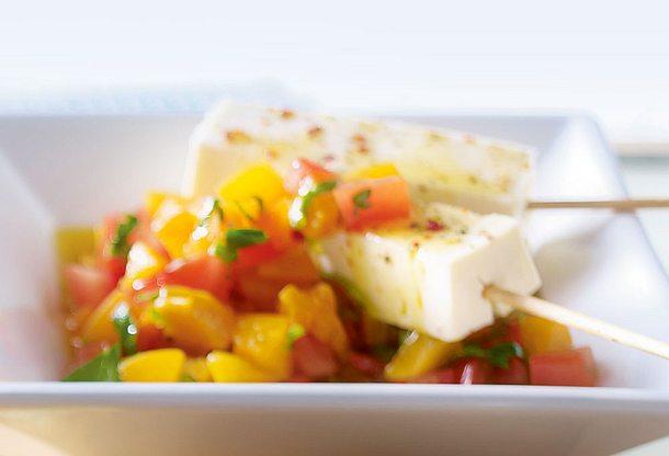 Fetasticks mit Aprikosen Tomatensalat Rezept
