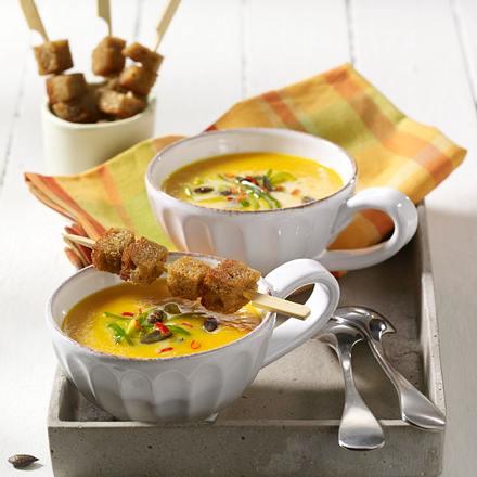 Feurige Kürbis-Möhren-Suppe Rezept
