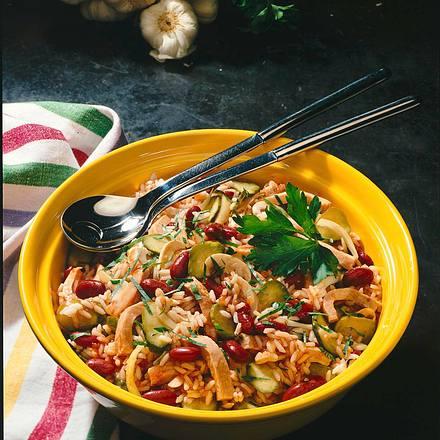 Feuriger Reissalat mit roten Bohnen Rezept