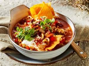 """Feuriger Spaghetti-Bohnen-Eintopf """"Vier Nachos für ein Halleluja"""" Rezept"""