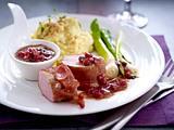 Filet in Serrano mit Granatapfelsoße und Sesam-Kartoffelpüree Rezept