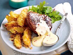 Filetsteak mit Limetten-Chili-Hollandaise und Knusperkartoffeln Rezept