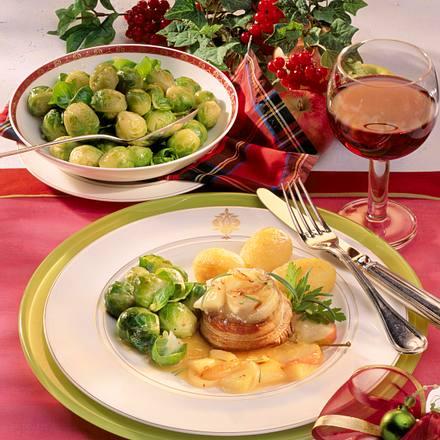 Filetsteaks mit Apfel-Zwiebel-Kompott zu Rosenkohl Rezept