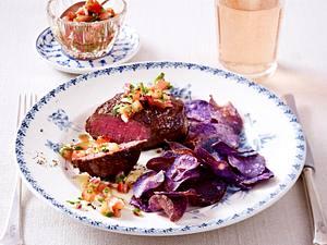 Filetsteaks mit blauen Kartoffelchips und Tomatensalsa Rezept
