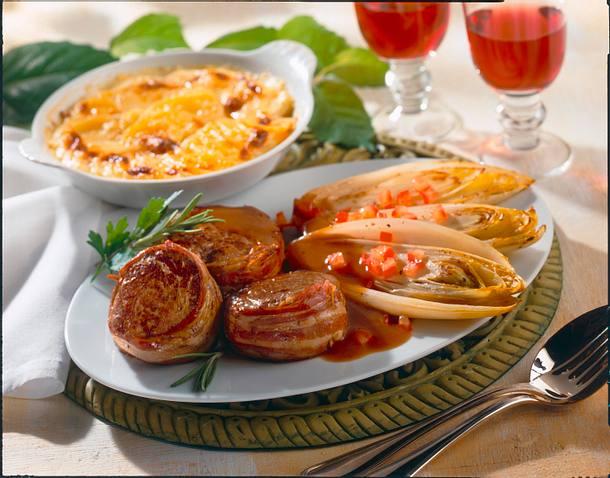 Filetsteaks mit Chicoree und Kartoffelgratin Rezept