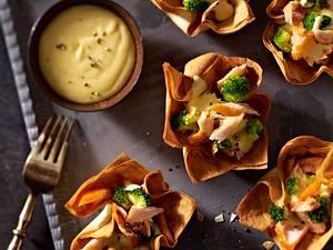 Filoteigkörbchen mit Stremellachs, Brokkoli und Zitronen-Butter-Soße Rezept