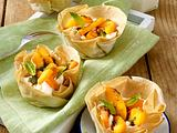 Filotörtchen mit Mascarpone-Creme, Aprikosen und süßem Minz-Pesto Rezept