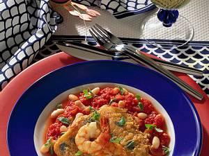 Fisch in Eihülle mit Tomaten-Bohnen-Soße und Riesengarnelen Rezept
