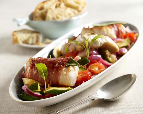 Fisch-Saltimbocca mit gebratenem Gemüse Rezept