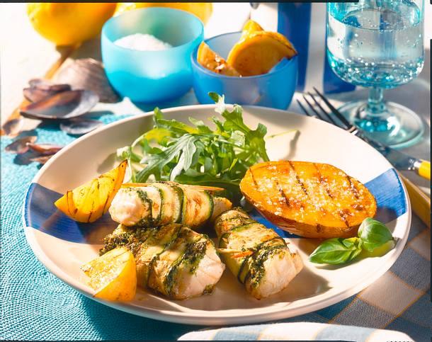 Fisch-Zucchini-Röllchen mit Pesto Rezept