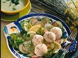 Fischbällchen auf Salat Rezept