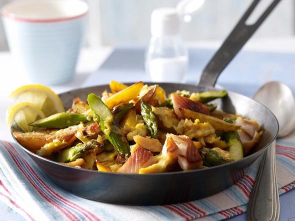 Fischerfrühstück mit grünem Spargel und Forelle Rezept