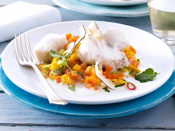 Fischfilet auf Möhren-Mango-Confit mit Kokosschaumsoße Rezept
