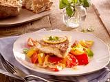 Fischfilet auf Paprikagemüse Rezept