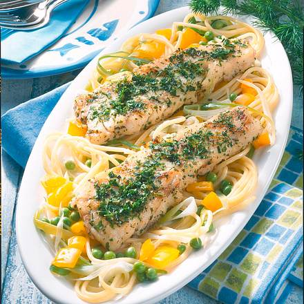 Fischfilet auf Spaghettisalat Rezept