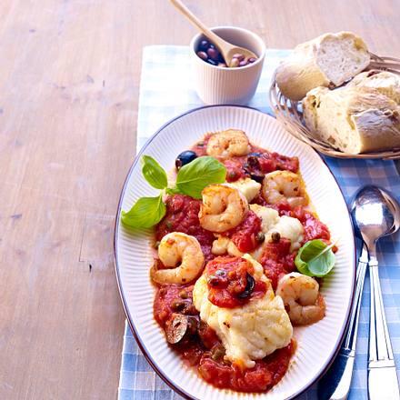 Fischfilet auf Tomatensoße mit Oliven Rezept