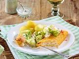 Fischfilet mit Gurkensalat und Pellkartoffeln Rezept