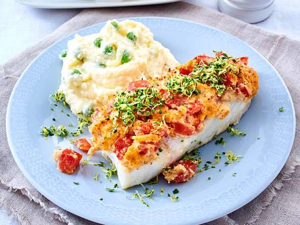 Fischfilet mit Tomatenkruste und Erbsen-Kartoffelpüree Rezept
