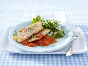 Fischfilet mit Tomatensoße und Raukesalat (Trennkost Eiweißgericht) Rezept