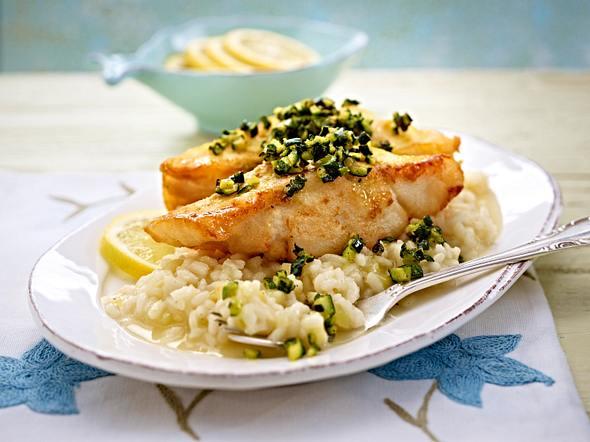 Fischfilet mit Zucchiniwürfeln auf Zitronenrisotto Rezept