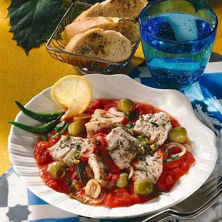 Fischhappen in Tomaten-Olivensauce Rezept