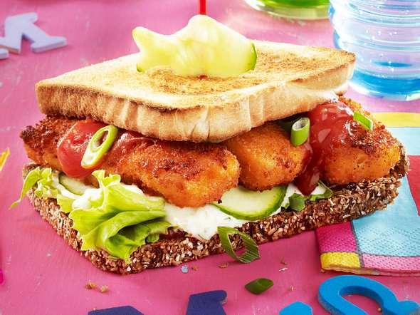 Fischstäbchen-Burger mit Gurkenremoulade Rezept
