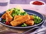 Fischstäbchen mit Erbsenstampf Rezept