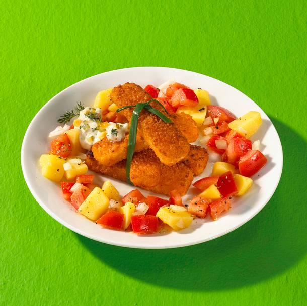 Fischstäbchen mit Remoulade und Tomaten-Kartoffelsalat Rezept